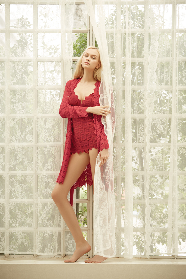 LACE NIGHTWEAR LACE ROBE
